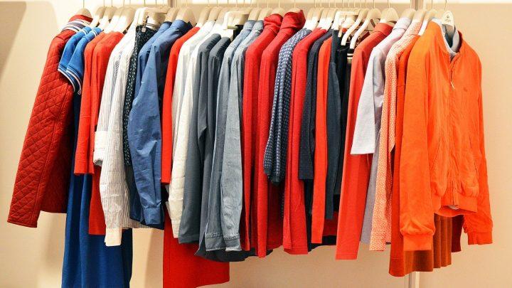 Tenue vestimentaire : les basics de la rentrée